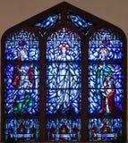 Målat glassfönster av Sts Paul episkopalkyrkan Royaltyfri Bild