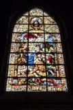 Målat glassfönster av tillbedjan av herdarna som tillbaka lokaliseras i kapellet av San Jose, data till året 1932, cathed arkivbilder