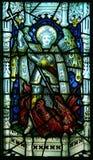 Målat glassfönster för St Michael Arkivbilder