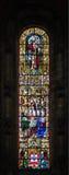Målat glassfönster från den Jeronimos kyrkan i Lissabon, Portugal Royaltyfri Foto