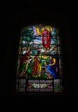 Målat glassfönster på Notre Dame Cathedral 2 arkivfoto