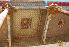 Målat tak av moskén i tillflyktfästningen Royaltyfri Foto