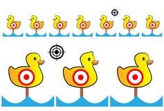 Målet målad guling duckar för skjutbana och underhållning Arkivfoton