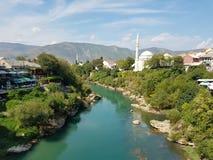 Mållös sikt från den gamla bron, Mostar, Bosnia&Herzegovina Arkivbilder