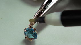 Målningädelstenar som är syrliga i smycken lager videofilmer