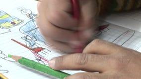Målningbarn i skola arkivfilmer