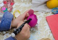 Målningeaster ägg vid markören Fotografering för Bildbyråer