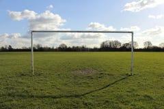 Målstolpar på ett fält i The Sun Fotografering för Bildbyråer