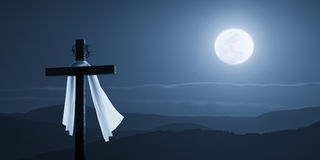 Månbelyst påskmorgon Christian Cross Concept Jesus Risen på natten royaltyfri fotografi
