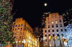 Måne över den Rockefeller mitten Royaltyfria Bilder