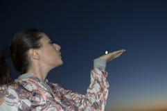 Måne i handen Royaltyfria Bilder