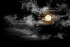Måne med det texturerade molnet, abstrakt begreppsvart som isoleras på svart backgr Royaltyfri Foto