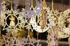 Måne- och stjärnaprydnader för jul Arkivbild