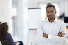 Mång- etniskt affärsfolk, entreprenör, affär, små och medelstora företagbegrepp Royaltyfria Bilder