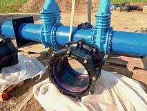 mång- gemensam enhet 500mm för ny svart waga för drinkvatten för mm 500 skruvad ventil för port Arkivbilder
