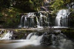 Mång--tiered vattenfall royaltyfri foto