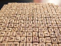 Många av bokstäverna som bildar inskriften ÄLSKAR JAG, DIG Royaltyfri Fotografi