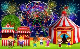 Många barn som har gyckel i karneval på natten vektor illustrationer