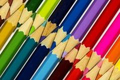 Många blyertspennor mot varandra Arkivbild