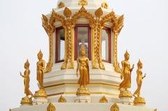 Många buddha ställning Arkivfoton