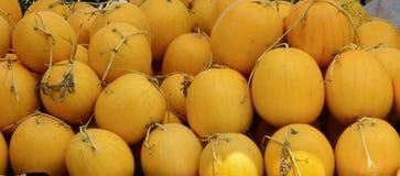Många den söta vattenmelon bär frukt till salu i Vietnam Royaltyfria Bilder