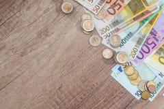 många euromynt och sedlar Royaltyfria Foton