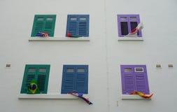 Många fönster av huset i lilla Indien, Singapore Fotografering för Bildbyråer