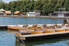 Många fartyg i en sommardag, Maschsee, Hannover fotografering för bildbyråer