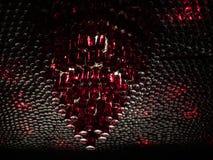 Många flaskor med röd vätskehängning på taket för garnering chic dekor arkivfoton