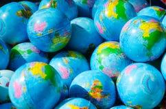 Många jordar en kontakt jordklot Arkivfoton