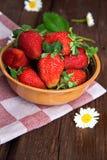 många jordgubbar Fotografering för Bildbyråer