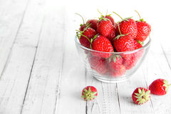 många jordgubbar Arkivfoton
