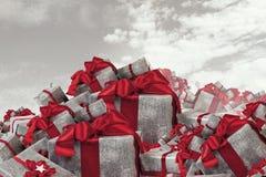 Många julpackar Blandat massmedia Arkivbilder