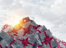 Många julpackar Blandat massmedia Royaltyfria Foton