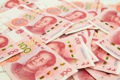 många kinesiska 100 anmärkningar för RMB Yuan Fotografering för Bildbyråer