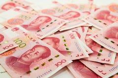 många kinesiska 100 anmärkningar för RMB Yuan Arkivfoto