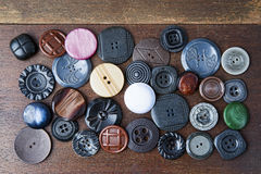 Många knappar av olika former och färger Royaltyfria Bilder