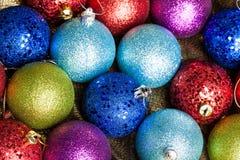 många kulöra julbollar royaltyfri bild
