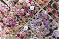 Många kulöra knappar i utställning i Norge Fotografering för Bildbyråer