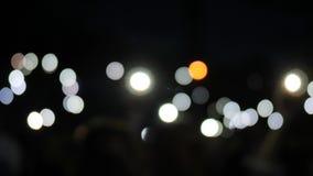 Många kulöra punkter på skärmen, mång- oskarp prick, lott av mångfärgad fullspunkt, bakgrund för överskrift stock video