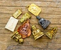 Många liten buddha bild som används som amuletter Royaltyfri Fotografi