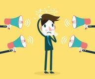 Många megafon som ropar på affärsmannen Begrepp av spänningen på arbete Royaltyfri Bild