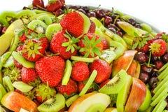 Många olik frukt på en platta Royaltyfri Foto