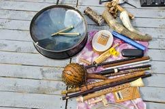 Många olika originella musikaliska instrument Royaltyfria Foton