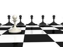 Många pantsätter black och en white på schackbräde Arkivbild