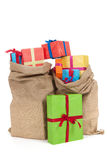Många presents i påsar Arkivbild