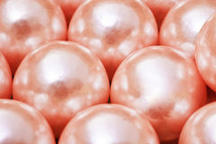 många pryder med pärlor pink Royaltyfri Bild