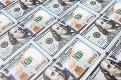 Många räkningar av 100 dollar, amerikansk sedel, bakgrund av pengar, kontant valutanärbild, framsidan för president` s Arkivbilder