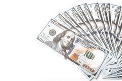 Många räkningar av 100 dollar, amerikansk sedel, vit bakgrund med kontant valutanärbild för pengar, framsidan för president` s Royaltyfri Foto