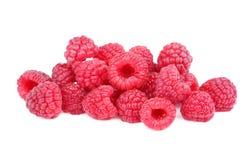 Många rosa hallon Nytt organiskt, antioxidanthallon som isoleras på en vit bakgrund Sunda marknadsprodukter Arkivfoto